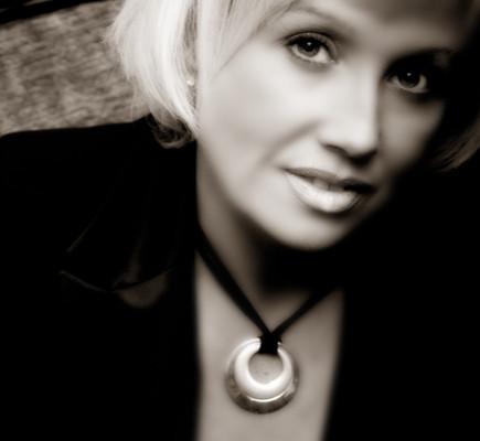 Karen Thornton-Brown Founder C.E.O. WeddingsAbroad.com