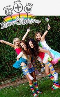 Emily Grace Reaves, Samantha Droke, Keana Texeira, & Noah Cyrus