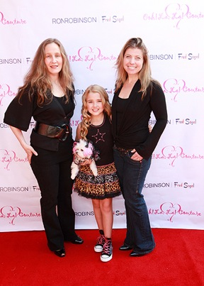 Emily Grace Reaves & dog Bunny w/ Jennifer Rottuno & Ann Dugourd (Lesley Bryce)