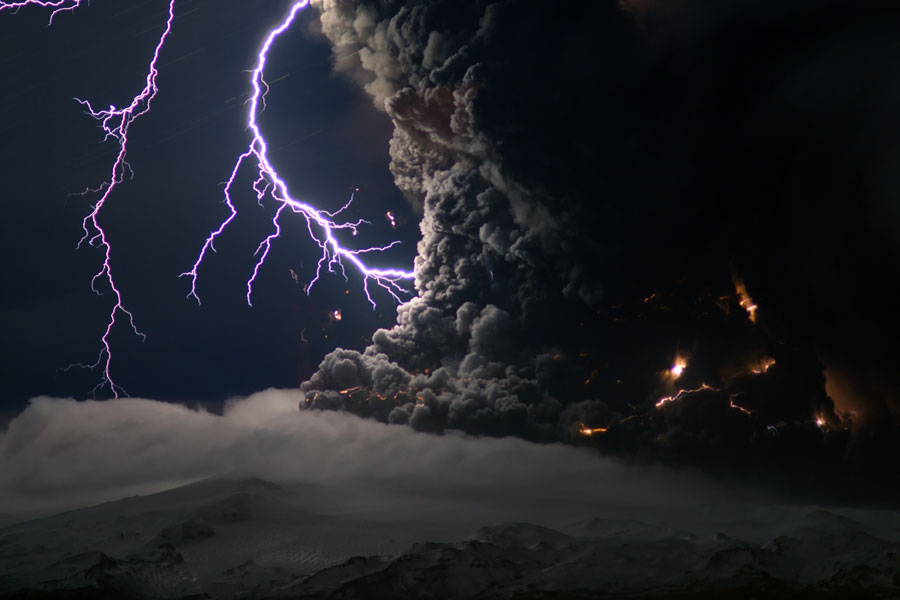 Mystery Of Lightning In The Iceland Volcano Solved By Nanoparticles