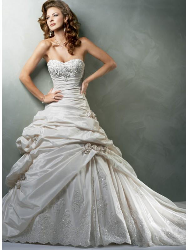 Sweetheart strapless applique beaded taffeta a line for Beaded vintage style wedding dresses