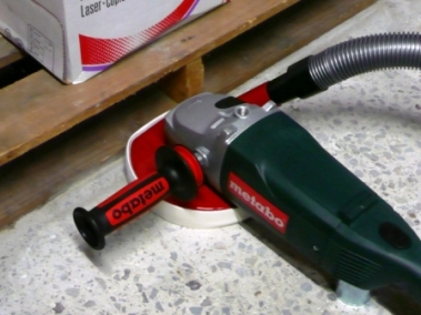 Dustless Grinder Improves Productivity For Grinding And