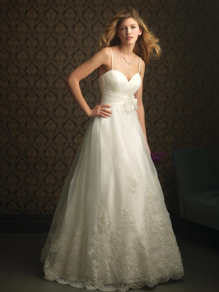 Ivory Formal Lace Wedding dresses 2011. FOR IMMEDIATE RELEASE