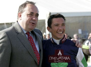 Alex Salmond and Frankie Dettori at Ayr Racecourse