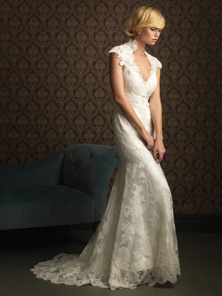 Ivory v neck lace applique mermaid trumpet 2011 wedding for Ivory lace wedding dress with sleeves