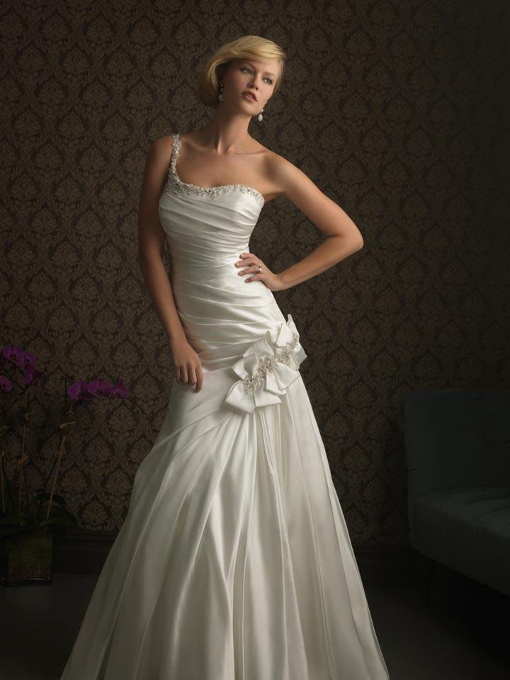 Ivory formal wedding dresses 2011. FOR IMMEDIATE RELEASE