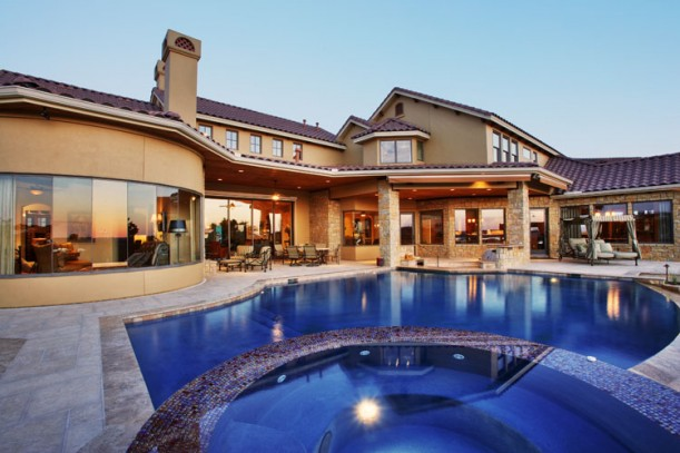 Sterling Custom Homes Integrates Pool Construction Into