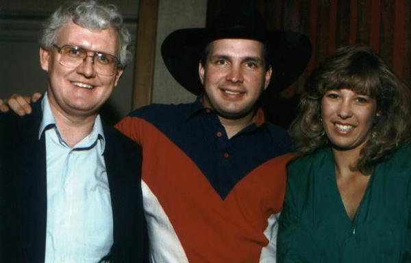 Producer Robert Metzgar & Garth Brooks