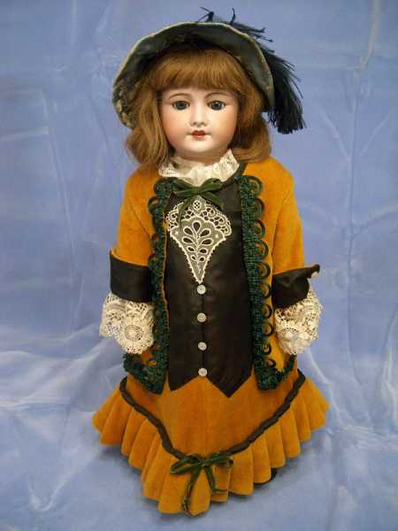 French Unis doll, 21 inches