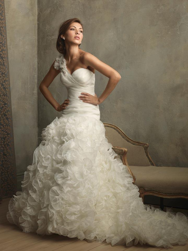 Ivory one shoulder ruffles floral ball gown vintage for Wedding dress with feathers on bottom
