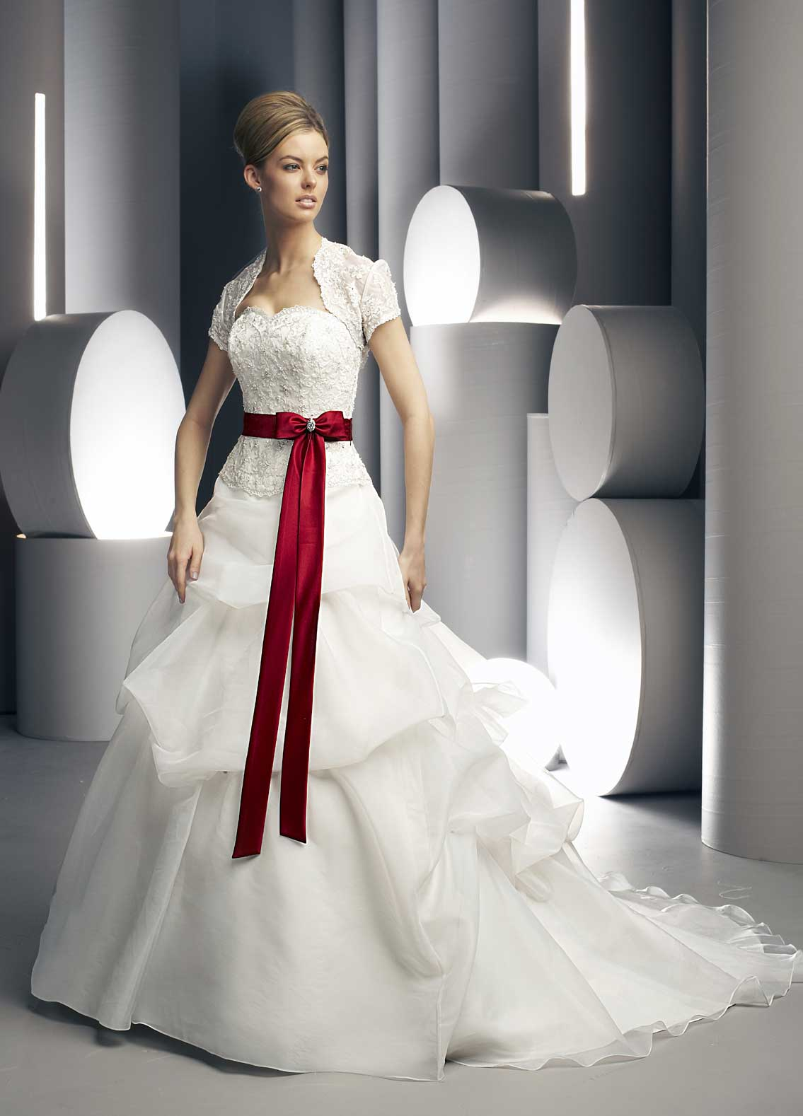Buy wedding dress at wholesale price on for When to buy wedding dress