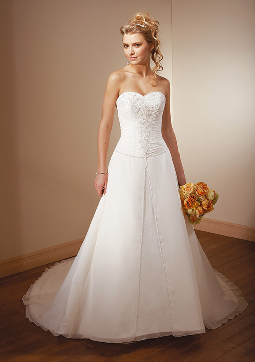 Discount wedding dresses for sale bridal gowns on a for Wedding dress for sale