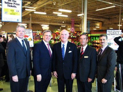 King Kullen and County Executives at the NuVal Press Event