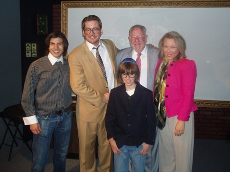 Oscar Goodman poses with the cast of the play.