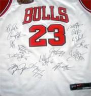 1995-1996 Chicago Bulls Team Signed Jersey