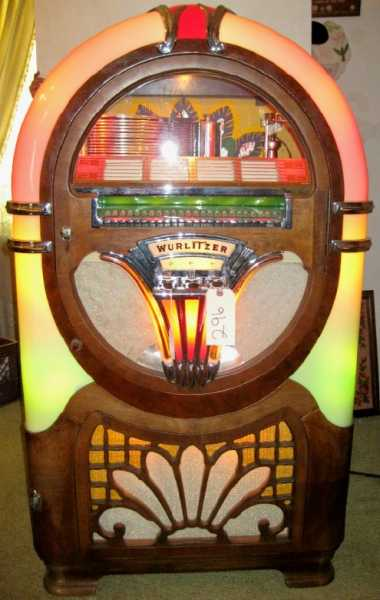 1941 Wurlitzer Model 750 jukebox