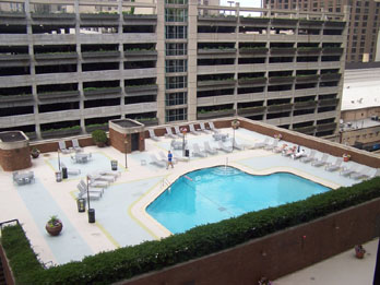Families Of Four Can Park Swim For The Day At Doubletree Chicago Magnificent Mile 39 S Outdoor