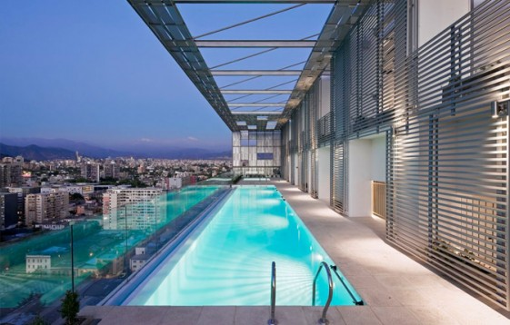 25th floor - outdoor pool with city view