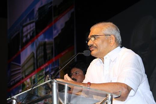 Mr.D.J.Ramesh - Chaiman & MD of Vijai Electricals Ltd addressing the media (1)