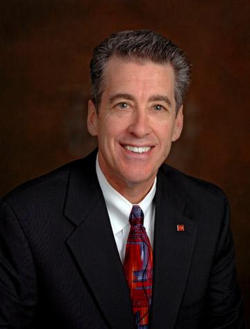 Tom Hill III, receives CCIM & SIOR designations