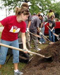 service trips for college students Volunteer abroad for college students summer service trips for college students are another awesome option summer is 93 days long, that's 2232 hours.