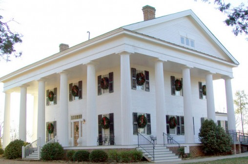 Side view of Barrington at Christmas