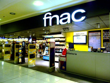Digital signage fnac uses navori to drive corporate and retail store