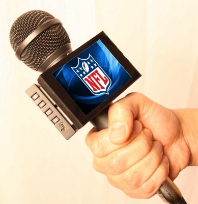 Video Mic Flag at Superbowl 400px