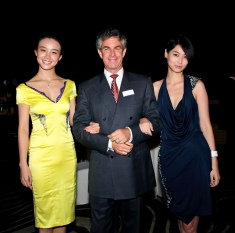 Dr Mark Berman with 2010 Miss World China winners