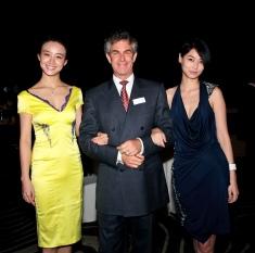 Dr Mark Berman with 2010 Miss World China winners