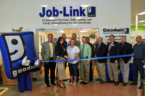 Goodwill cuts the ribbon to open its new Job-Link