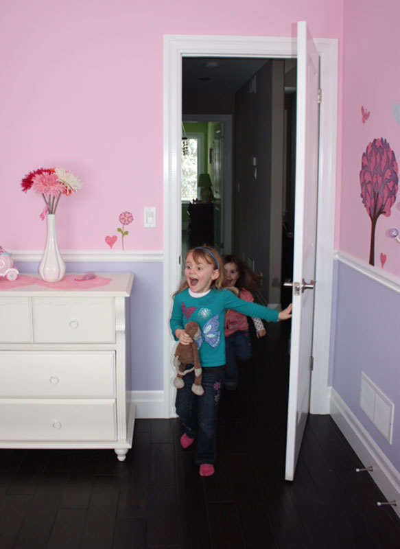 Riley seeing her princess room for the 1st time
