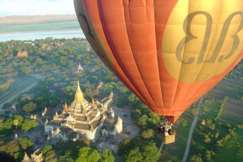 Ballon-Bagan-Myanmar-LuxuryTravelLtdMyanmar