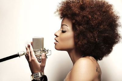 Singer/Songwriter Reesa Renee