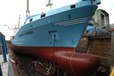 Maersk Ronneby accommodated in drydock No. 01