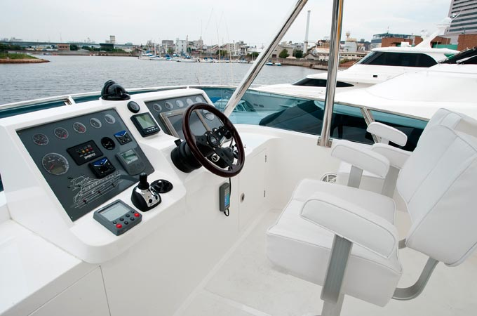 56ft-fiberglass-yacht_interior-01