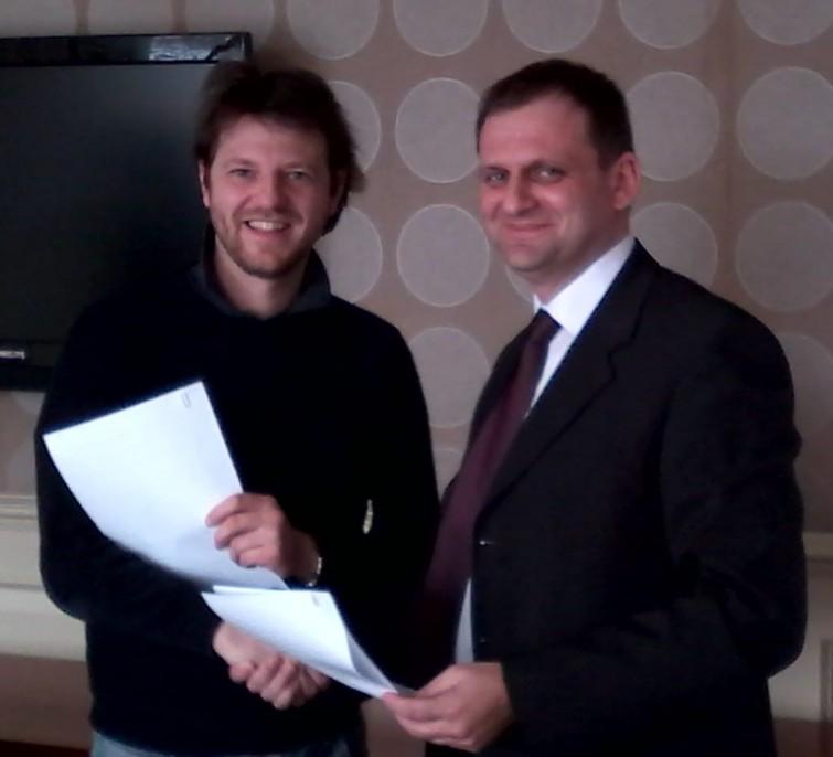 Valerio Pastore & Vladimir Kartel at signing