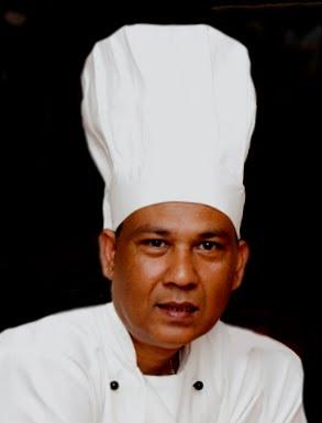 Mafiz Ali at Ayr Spice Indian Restaurant Minishant