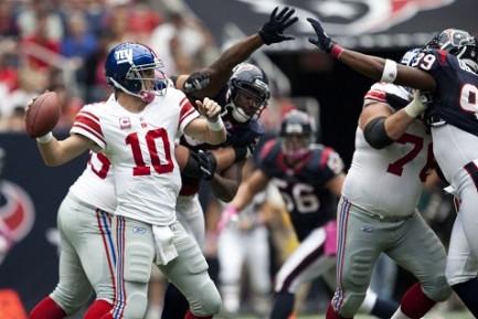 Eli Manning (photo credit AJ Guel)