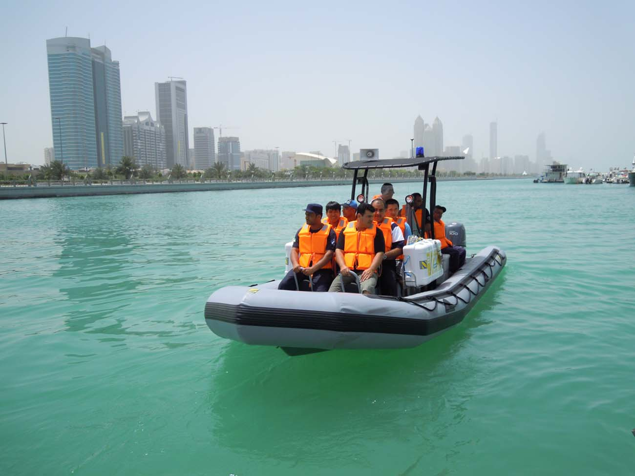 Zodiac - Training the Abu Dhabi airport rescue boat crews