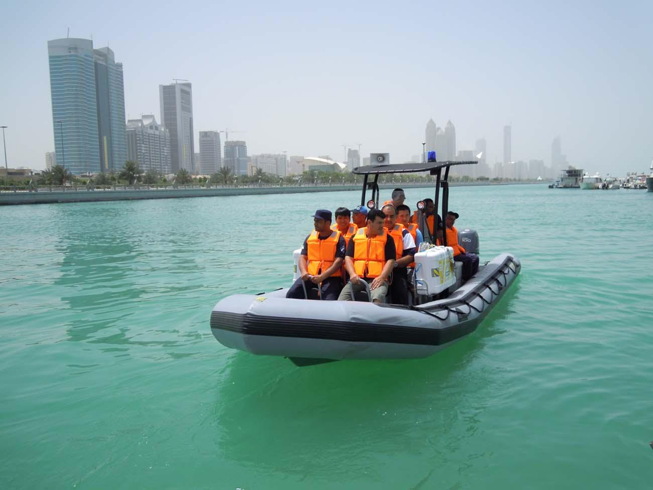 Zodiac - Training the Abu Dhabi airport rescue boat crews
