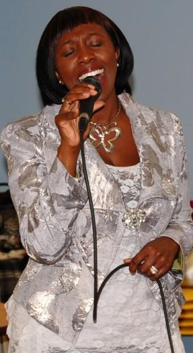 Mahoganee performs