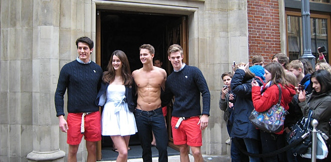 Tyler Stokes The Leading Abercrombie & Fitch Model Opens ... | 660 x 324 jpeg 127kB