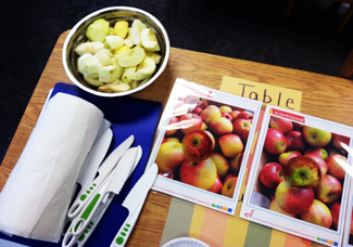 Parents and children learn how to make great-tasting meals & snacks.