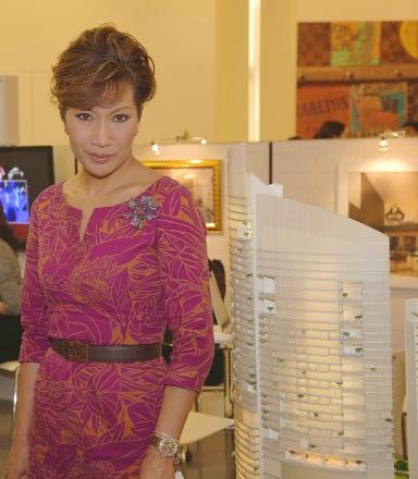 Dr Kritika Kongsompongsmall visits Centara Grand Booth