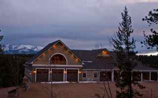 Edgewood B&B with memorable Pikes Peak views