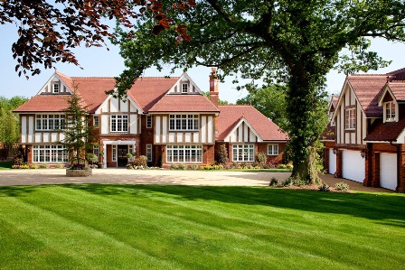 Purchase Radcliffe House and enjoy the use of a tennis court
