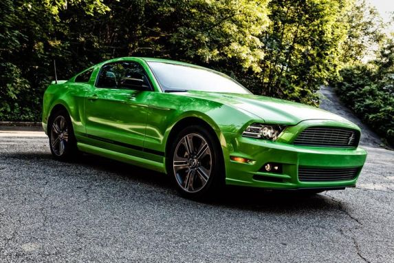 2013 mustang v6 test drive going green in a 2013 ford mustang prlog. Black Bedroom Furniture Sets. Home Design Ideas
