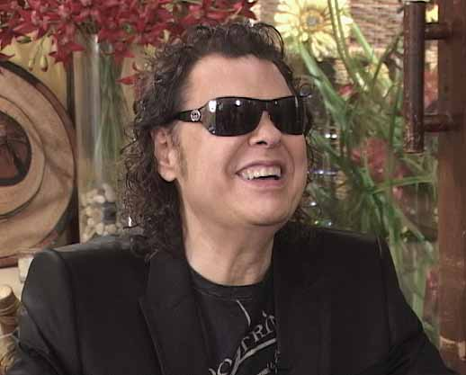 Ronnie Milsap on the set of PROFILES