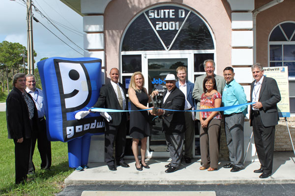 Goodwill cuts the ribbon on Goodwill's Englewood Job-Link Center